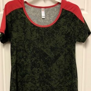 Very cool Coral and black LuLaRoe Classic T
